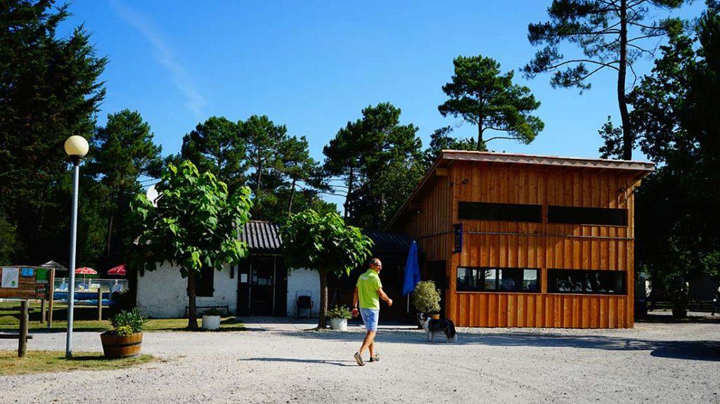 arrivée accueil camping le médoc Bleu Carcans Gironde