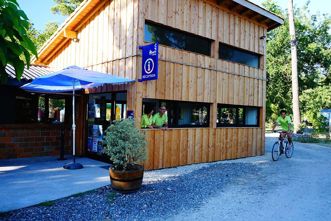 accueil camping Le Médoc Bleu