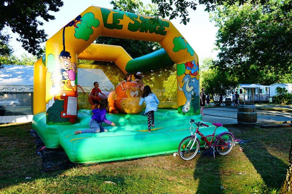 jeux gonflables camping le médoc Bleu Carcans Gironde