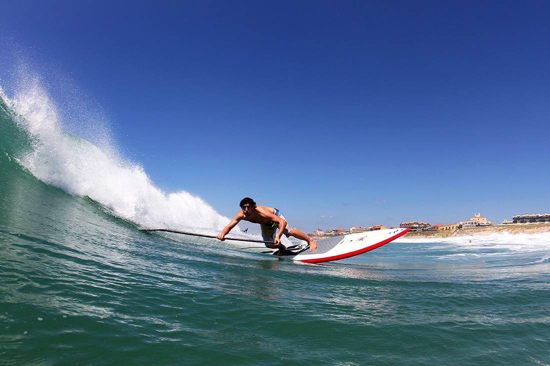 surf sur l'océan atlantique