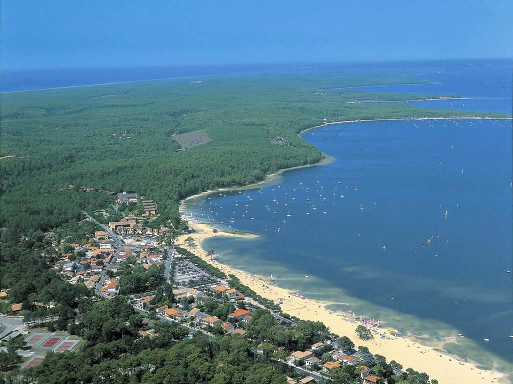vue aérienne du lac de carcans