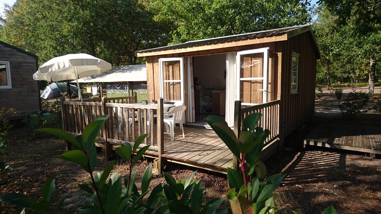 Location cabane bois avec terrasse individuelleCarcans);